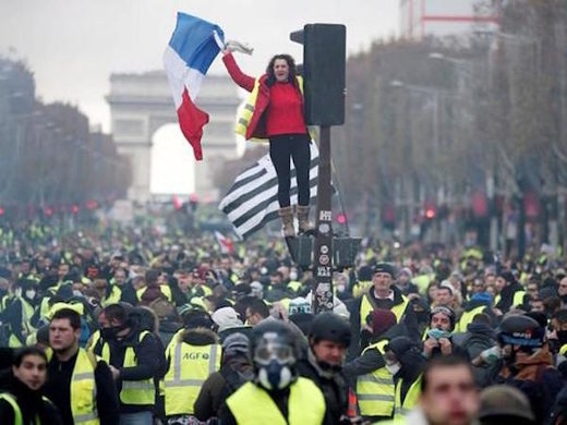yellow vest protests france