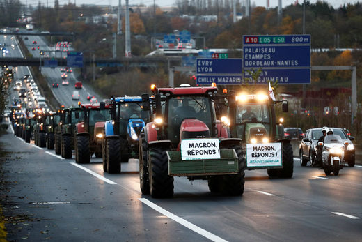 french farmers tractors